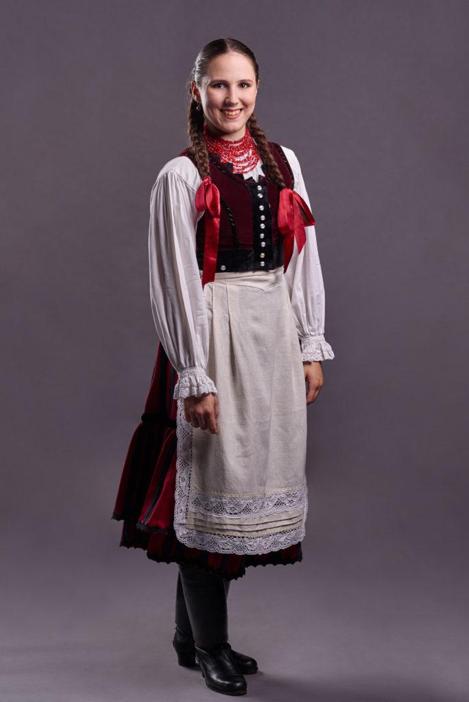 Husvét Dorina